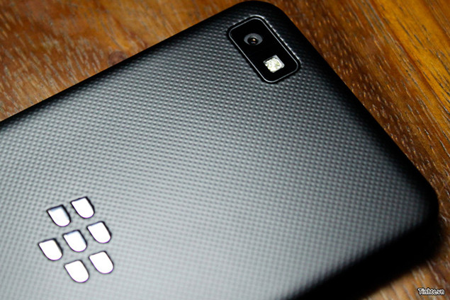 blackberry z10 back